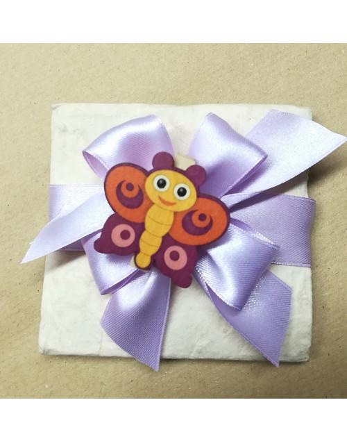 Pacchetto confetti carta di cotone con molletta farfalla