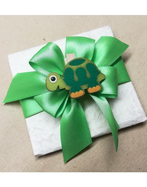 Pacchetto confetti carta di cotone con molletta tartaruga