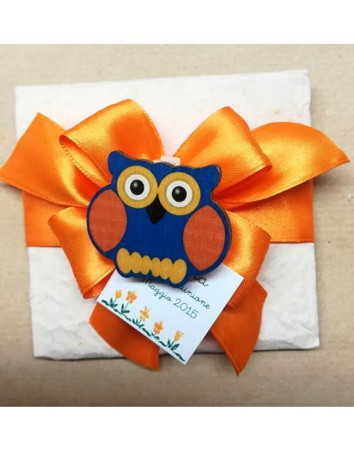 Pacchetto confetti carta di cotone con molletta gufo