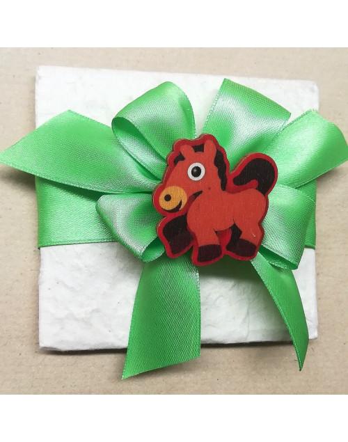 Pacchetto confetti carta di cotone con molletta cavallo